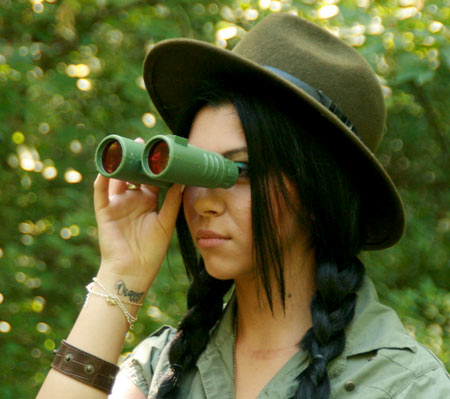 safari-girl-with-binoculars-facing-left-450px.jpg