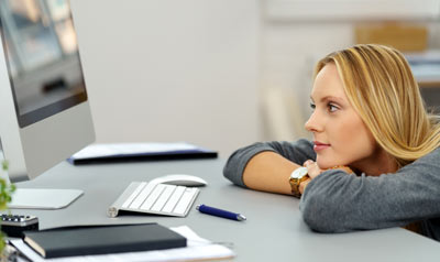 woman-waiting-computer-K-12-article.jpg